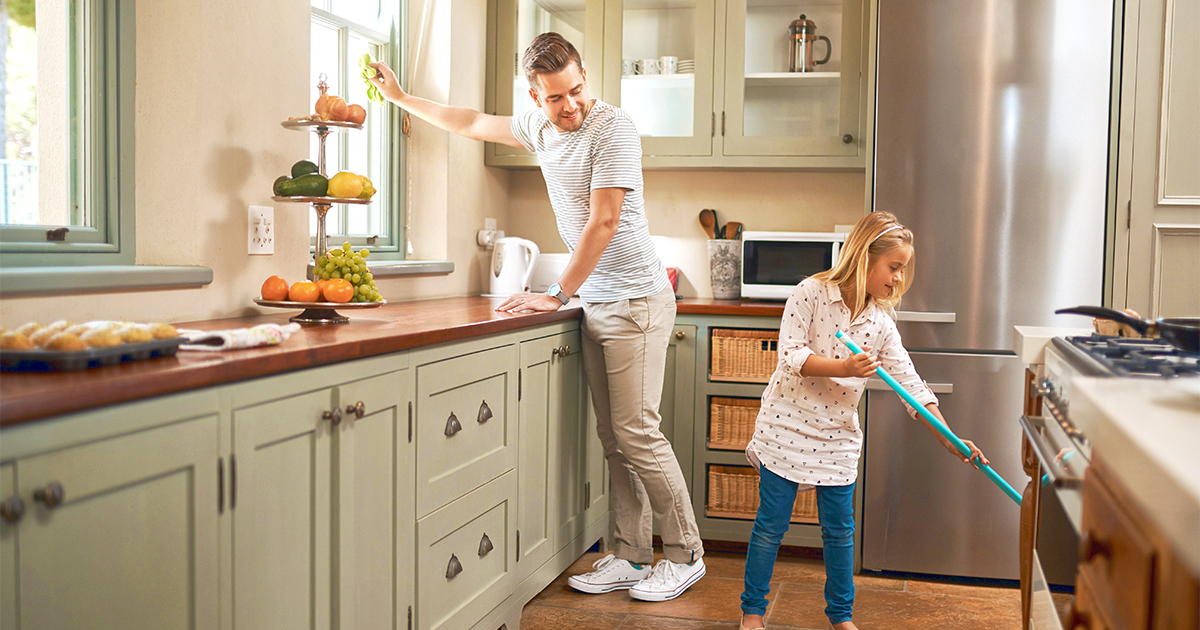 Dad_daughter_cleaning_1160773477_1200x630